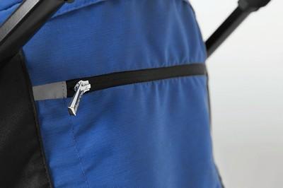 практичный карман на  для мелочей на капюшоне